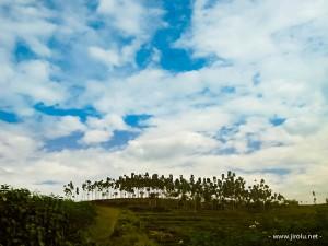 Langit di Ujung Bukit